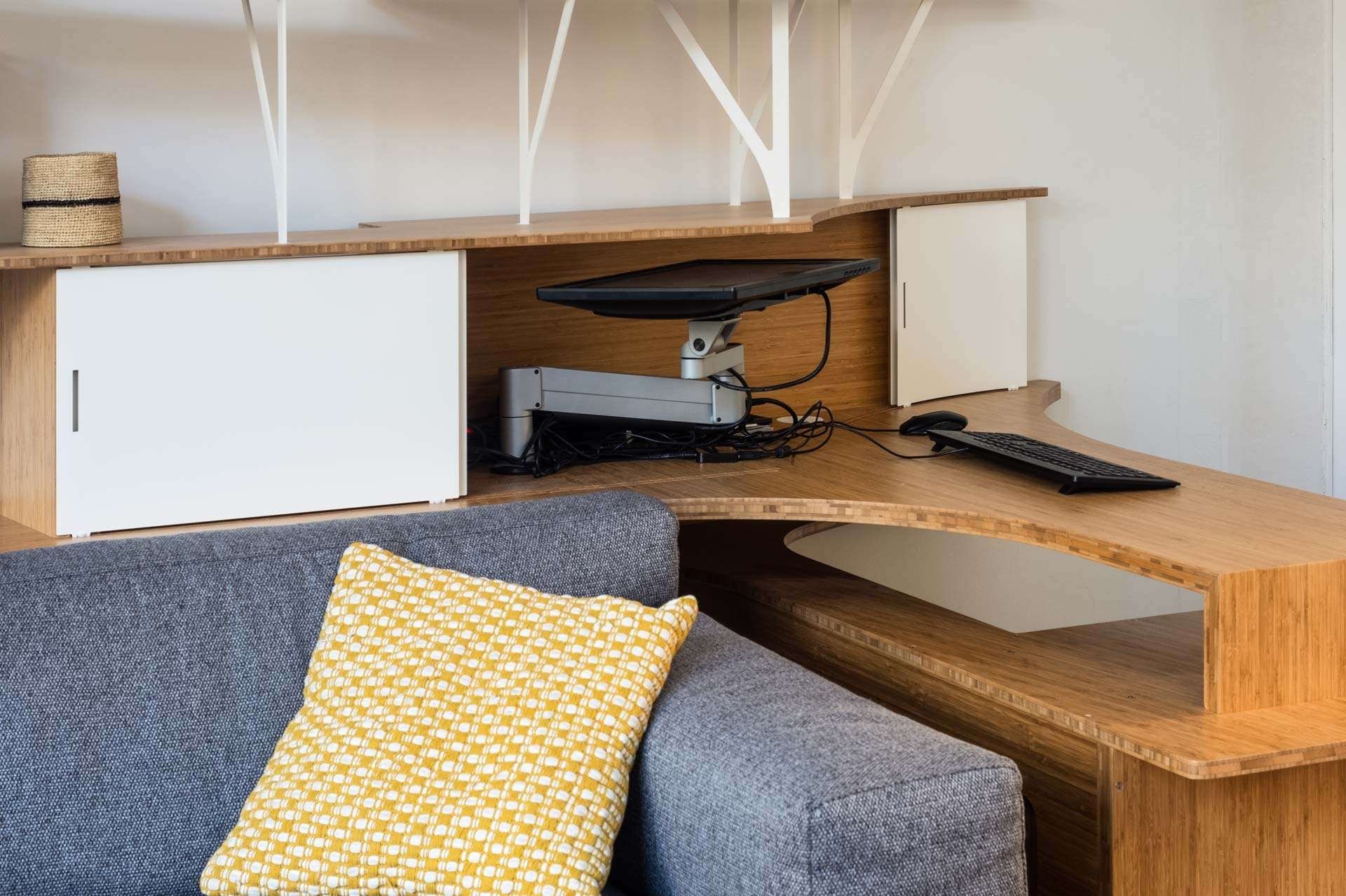 Bureau à ordinateur escamotable et biblitohèque Curve Wood & Steel