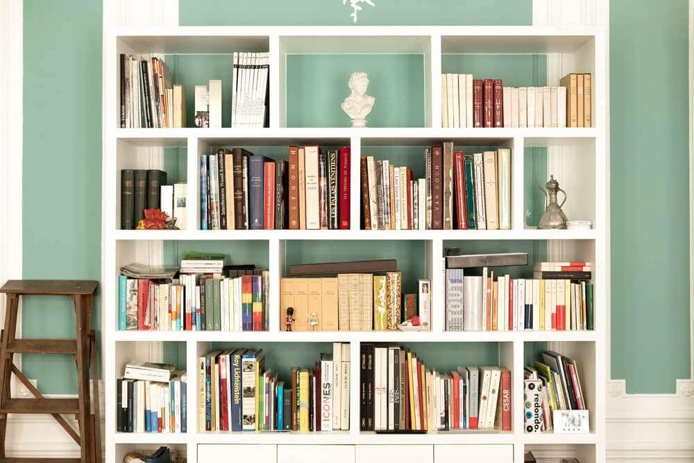 Bibliothèque sur mesure par artisan menuisier