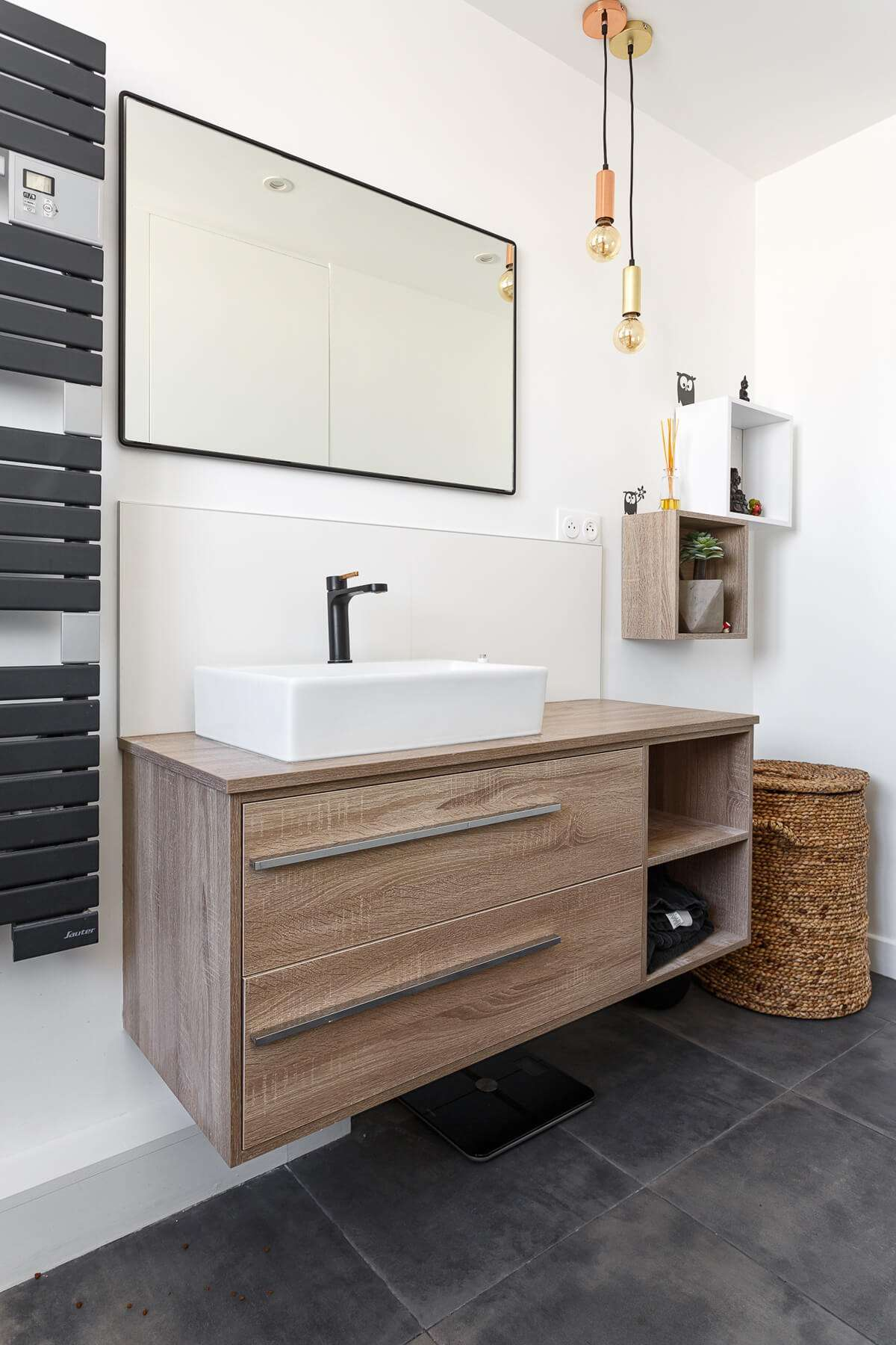Meuble de salle de bain avec vasque posée