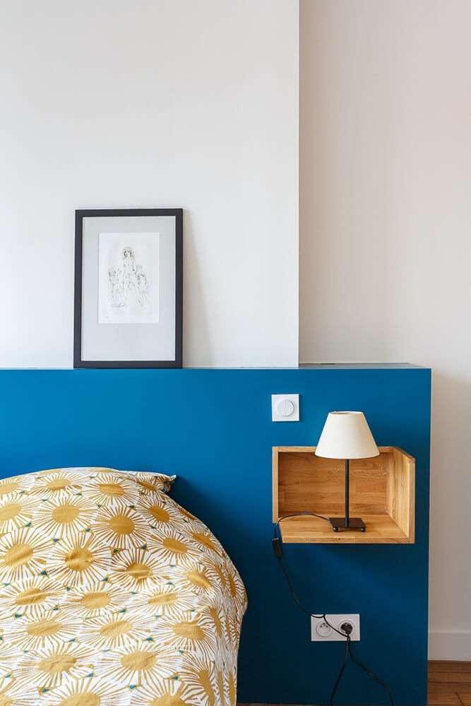 Tête de lit sur mesure avec niches en bois