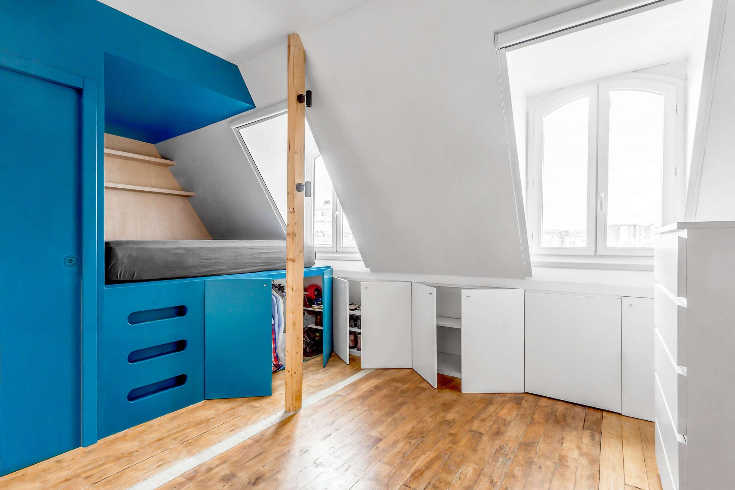 Guillaume - Chambre de bonne sous les toits de Paris