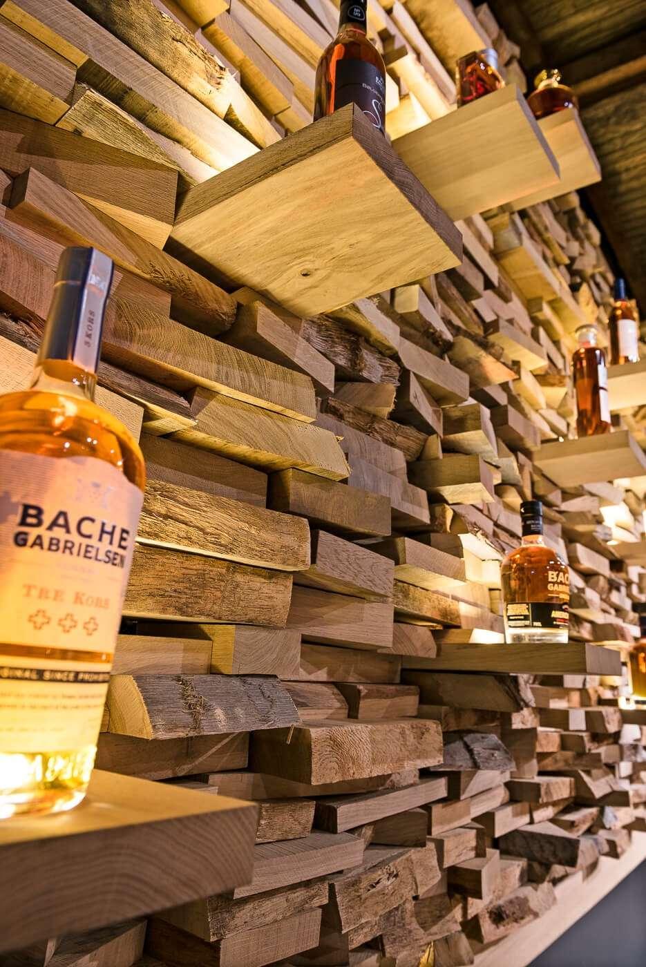 Mur d'exposition des bouteilles